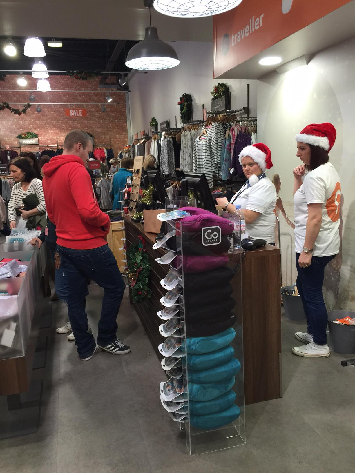 VIP Christmas Shopping Night attracts hundreds of bargain-hunters